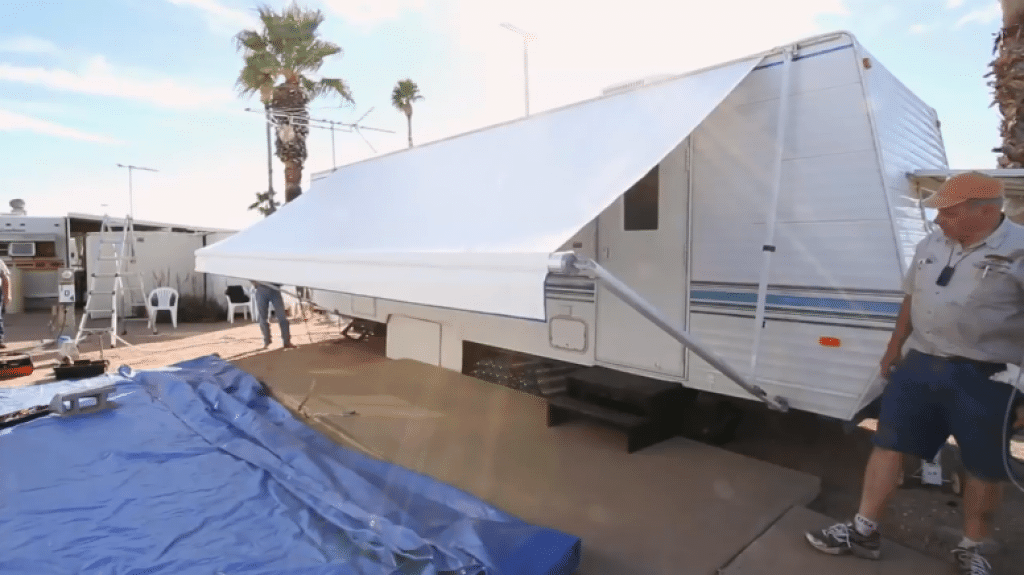 Retractable awning on RV