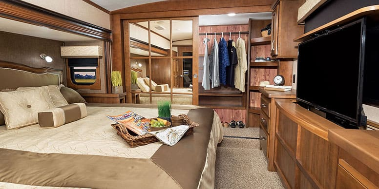 Fifth Wheel Beds