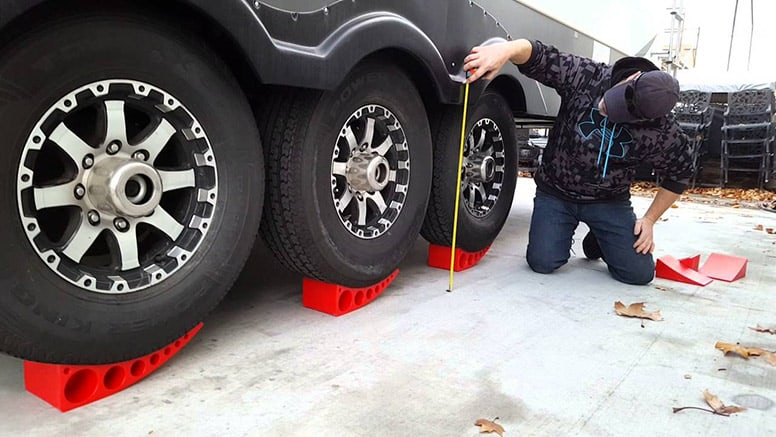 RV Leveling And Stabilizing