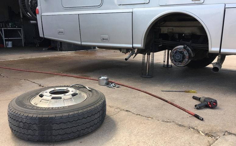 Replacing Tire On RV