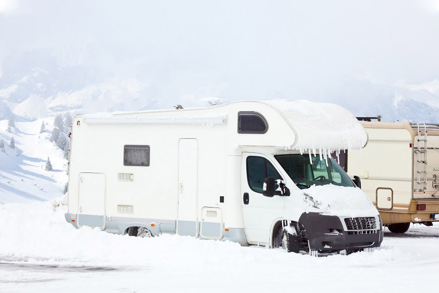 2021'S BEST COLD-WEATHER RVS FOR EXTREME COLD