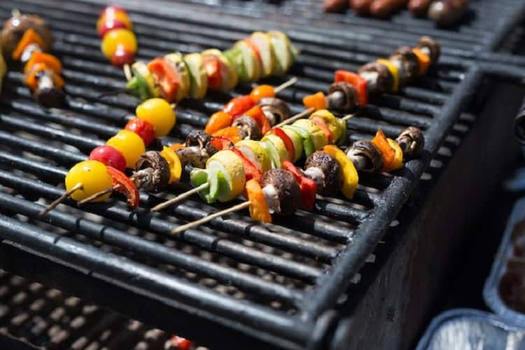 how to choose a camping grill