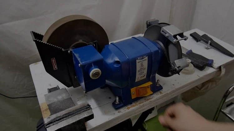 Sharpening-With-Bench-Grinder