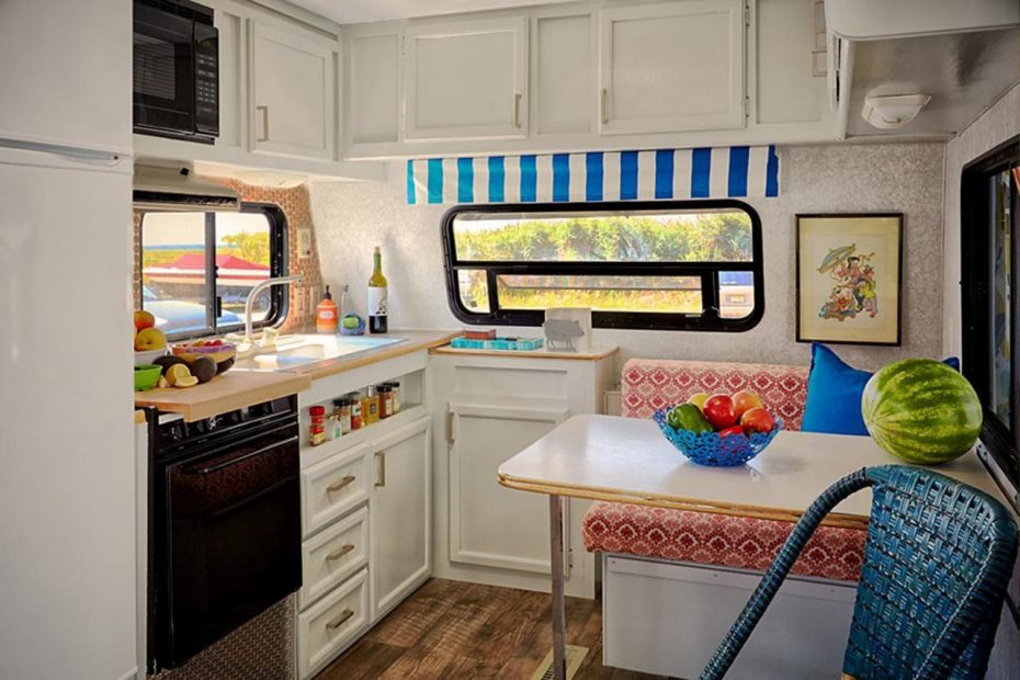 19 TIPS TO MAKE YOUR RV KITCHEN MORE FUNCTIONAL