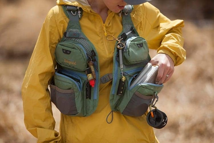 WHAT SHOULD YOU PACK INTO THE FISHING VEST?