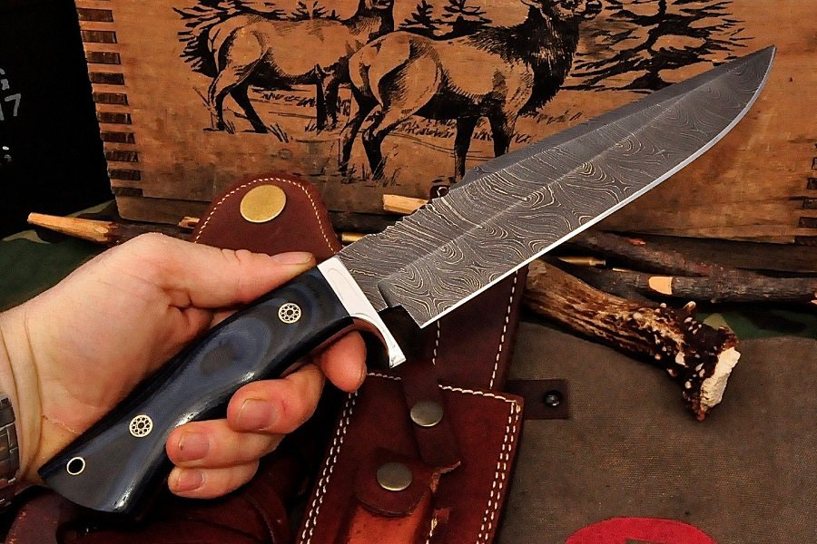 The Top Hunting Knives Reviewed 6